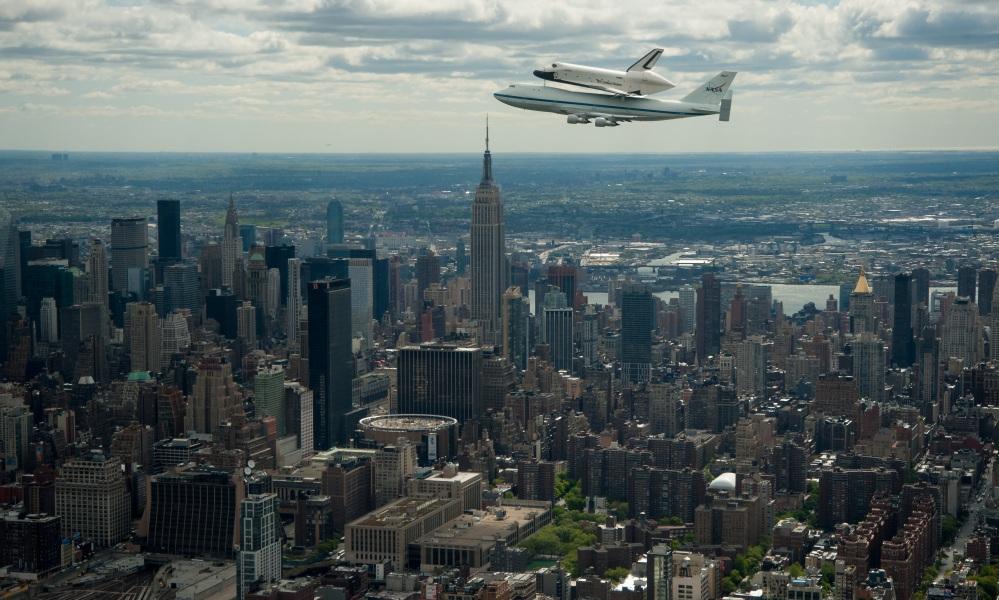 Photo: Enterprise over NYC -- feels CGI